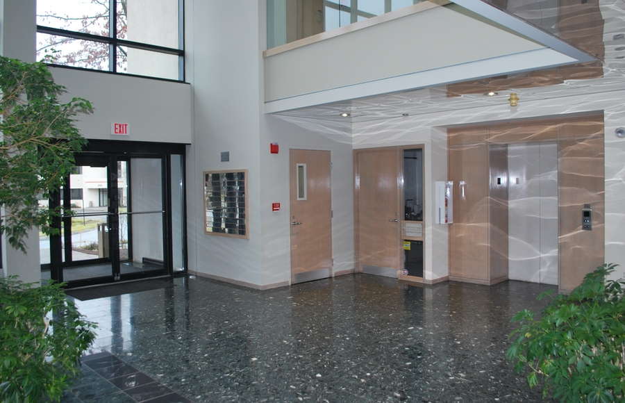 Lynnfield Woods North Building Inside Entry